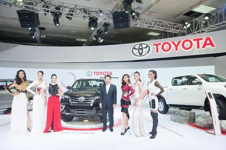 Toyota Fortuner the he moi ra mat thi truong Viet - Anh 2