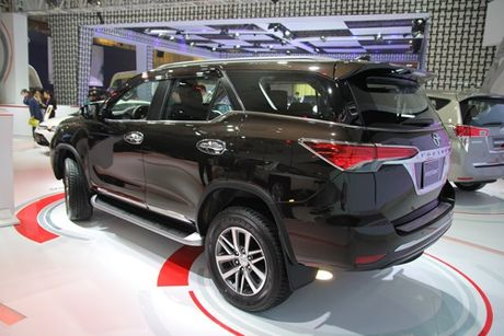 Toyota Fortuner the he moi ra mat thi truong Viet - Anh 4