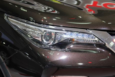 Toyota Fortuner the he moi ra mat thi truong Viet - Anh 5
