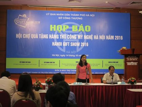 Hoi cho Qua tang hang thu cong my nghe Ha Noi 2016 - Anh 1