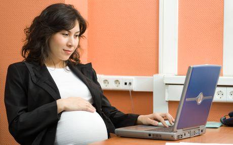 Nguyen nhan nao khien cac ba bau bi phu chan khi mang thai? - Anh 1