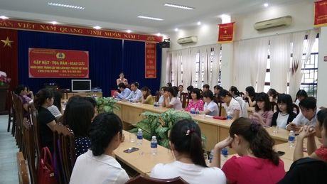 CD cac KCN tinh Hoa Binh: Gap mat can bo nu cong CDCS - Anh 1