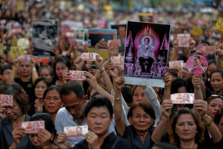 Thai Lan nhung ngay dau khong con vi vua dang kinh - Anh 1