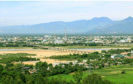 Nhieu chinh sach, uu dai thu hut nhan tai lam viec tai Quang Ngai - Anh 1