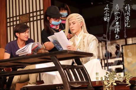'My nam co trang' Vu Mong Lung dep ma mi trong phim moi - Anh 2
