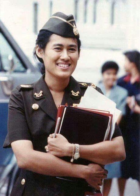 Nang 'Cong chua Thien than' khong mang vuong vi duoc nguoi dan Thai Lan het muc yeu kinh - Anh 2