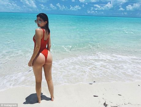 Thua nhan bom moi, nhung Kylie Jenner khang dinh vong 3 to bat thuong la 'hang that' - Anh 1