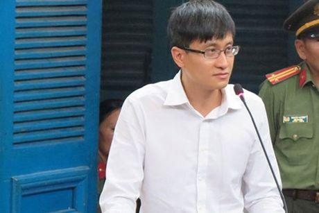 Cao Toan My to cao vu dan dung 'hop dong tinh ai' - Anh 1