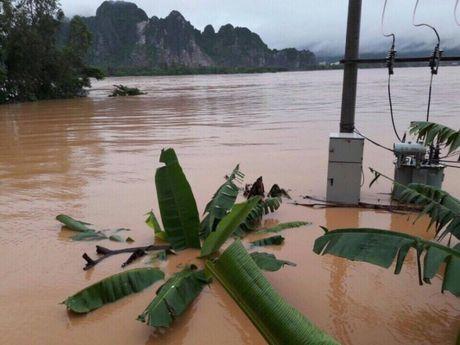 Quang Binh: No luc thong diem ngap nang tren QL1 - Anh 1