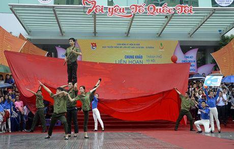 Hon 3.000 ban tre Ha Noi doi mua xep hinh ban do Viet Nam - Anh 7