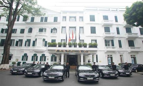 Sofitel Legend Metropole Hanoi nhan lo 8 xe sang BMW Series 7 - Anh 2