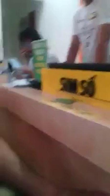 Hoang hon khi mo hop iPhone 6s nguyen Seal chi nhan duoc cuc da - Anh 4