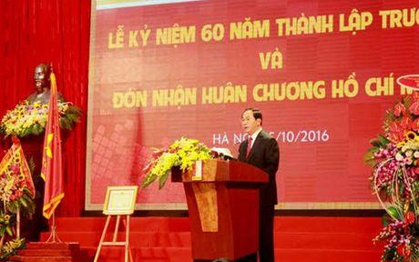 Chu tich nuoc trao Huan chuong Ho Chi Minh cho DH Bach khoa Ha Noi - Anh 1