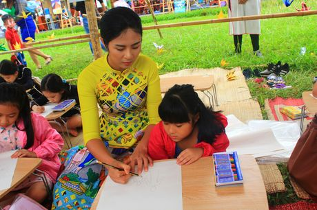 Festival ao dai Ha Noi 2016 am dam ngay sau khai mac - Anh 6