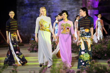 Giai nhan man anh Viet hoi ngo tai Festival ao dai Ha Noi 2016 - Anh 2