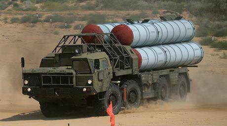 Khong quan Israel lo ngai bi ten lua S-300 cua Nga tai Syria ban nham - Anh 1