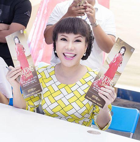 Viet Huong tang ve mien phi cho nguoi ham mo - Anh 3