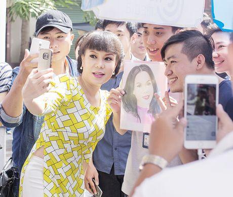 Viet Huong tang ve mien phi cho nguoi ham mo - Anh 4
