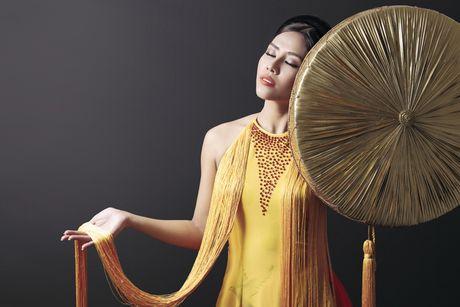 Ngam trang phuc dan toc cua Nguyen Loan tai Miss Grand International - Anh 8