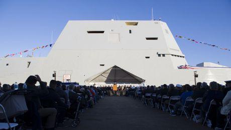Can canh 'chien ham sieu tuong' USS Zumwalt vua gia nhap Hai quan My - Anh 18