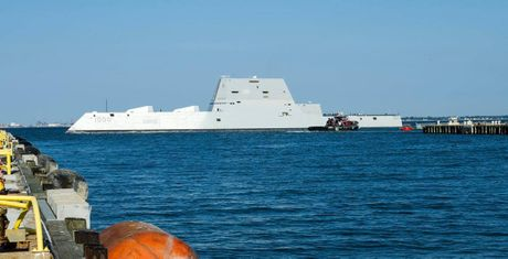 Can canh 'chien ham sieu tuong' USS Zumwalt vua gia nhap Hai quan My - Anh 5