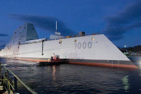 Can canh 'chien ham sieu tuong' USS Zumwalt vua gia nhap Hai quan My - Anh 9
