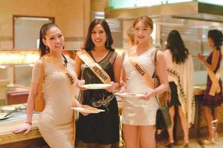 Nguyen Thi Loan trinh dien bikini nong bong tai Miss Grand Internation - Anh 3