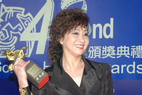 Bi kich dan sao phim 'Tuyet dinh Kungfu': Nguoi benh tat, ke khong nha - Anh 9