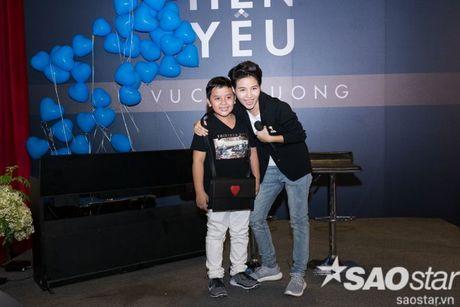 Team Vu Cat Tuong rot nuoc mat xuc dong truoc tinh cam dac biet cua fan - Anh 12