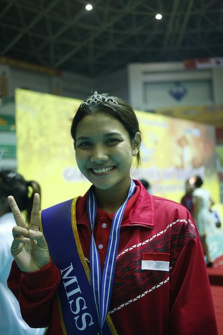 Chan dai Indonesia gay tranh cai khi gianh Miss VTV Cup 2016 - Anh 1