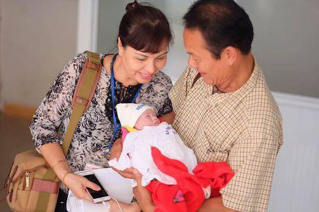 Hong Que hao hung khoe ve dang yeu cua co cong chua dau long - Anh 2