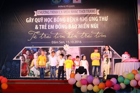 Tre song sinh ca hat gay quy ung ho benh nhi ung thu - Anh 2
