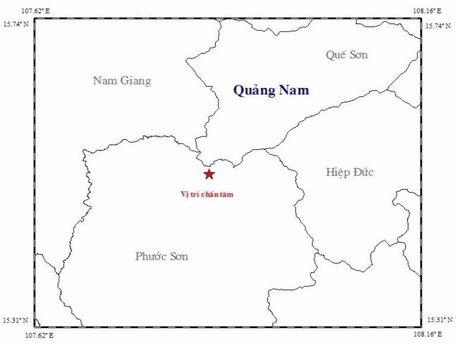 Quang Nam: Hai tran dong dat cach nhau vai phut - Anh 1