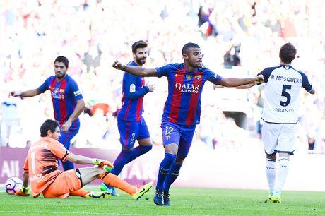 Chi 3 phut, Messi khien Pep phai lo so - Anh 1