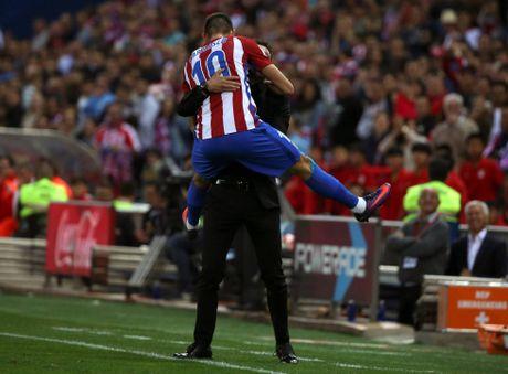 Simeone ra oai, Atletico thang '7 sao' trong ngay lich su - Anh 1