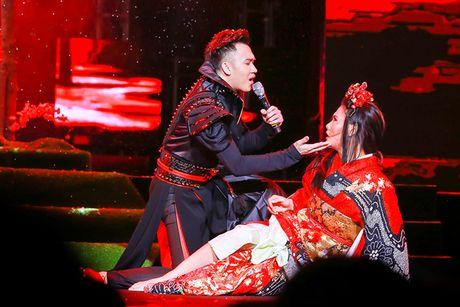 Khan gia Ha Noi man nhan voi 'Diamond Show' cua Dam Vinh Hung - Anh 12