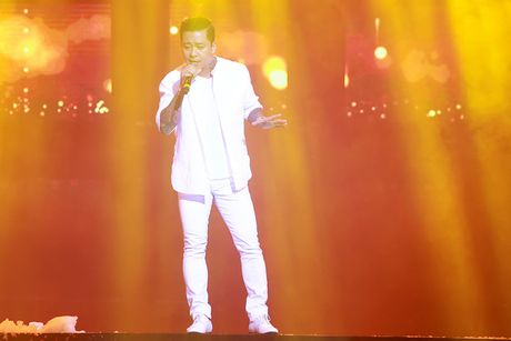 Khan gia Ha Noi man nhan voi 'Diamond Show' cua Dam Vinh Hung - Anh 16
