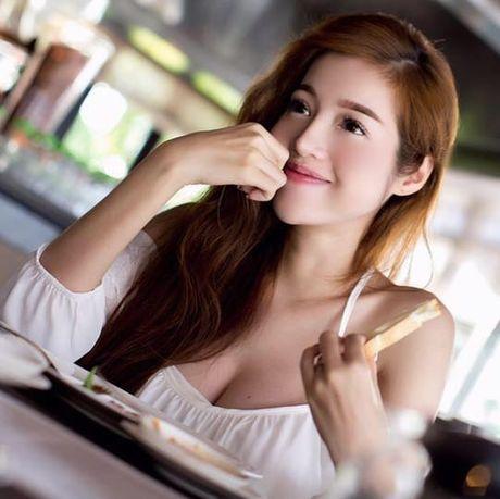Ngam anh khong noi y cua ba me 2 con Elly Tran, me bim sua 'phat hon' - Anh 7