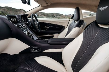 Aston Martin DB11 ve chau A gia chenh khung khiep - Anh 2