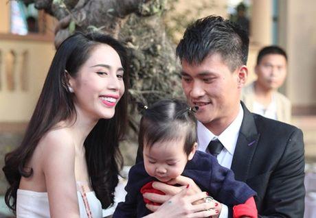 Ca si Thuy Tien mang bau lan 2 voi Cong Vinh? - Anh 1