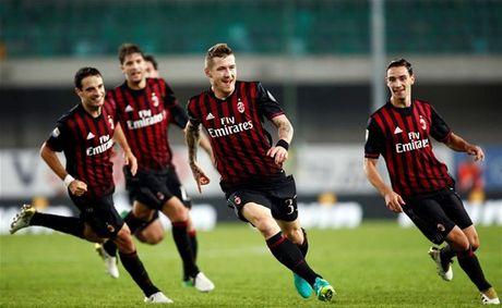 Danh bai Chievo tren san khach, AC Milan chen chan vao top 3 - Anh 1