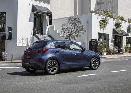 Mazda tung ra phien ban nang cap cua cap doi Mazda2 va CX-3 - Anh 12