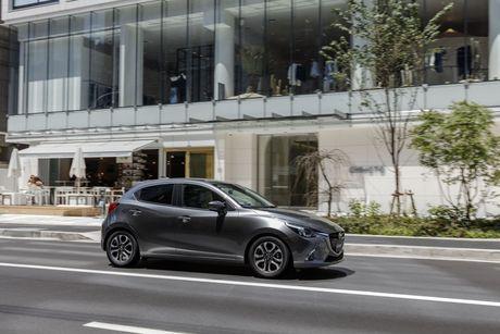 Mazda tung ra phien ban nang cap cua cap doi Mazda2 va CX-3 - Anh 4