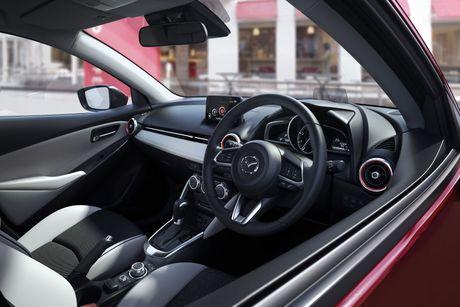 Mazda tung ra phien ban nang cap cua cap doi Mazda2 va CX-3 - Anh 7