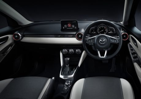 Mazda tung ra phien ban nang cap cua cap doi Mazda2 va CX-3 - Anh 9
