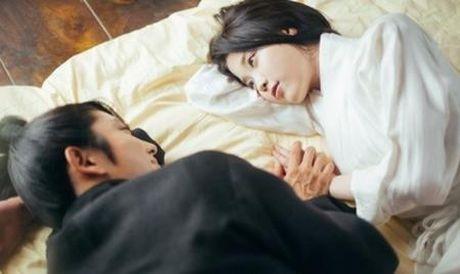 Nguoi tinh anh trang tap 16: He lo canh sieu than mat cua Lee Jun Ki va IU - Anh 7