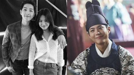 Cap doi Song Joong Ki – Song Hye Kyo ung ho May hoa anh trang het minh - Anh 1