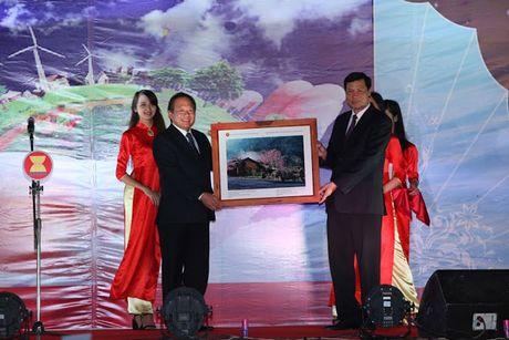 Sap het han gui tac pham anh bao chi du thi 'ASEAN – mot cong dong' - Anh 1