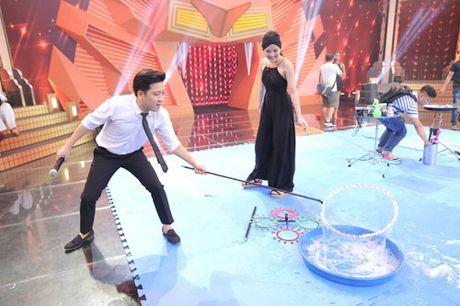 """Ky tai thach dau: Hua Vi Van am chi Tran Thanh """"mac benh"""" vi Hari Won - Anh 10"""