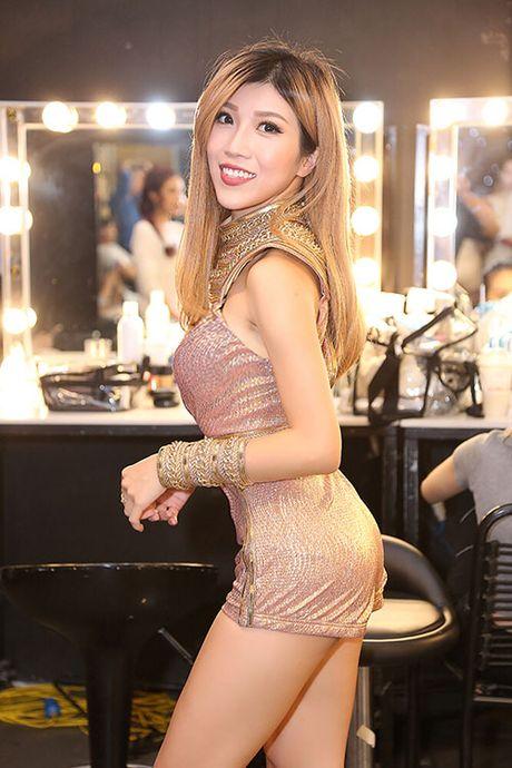 Trang Phap lieu mang mua ghe tren cao 5m ma khong can day bao ho - Anh 1